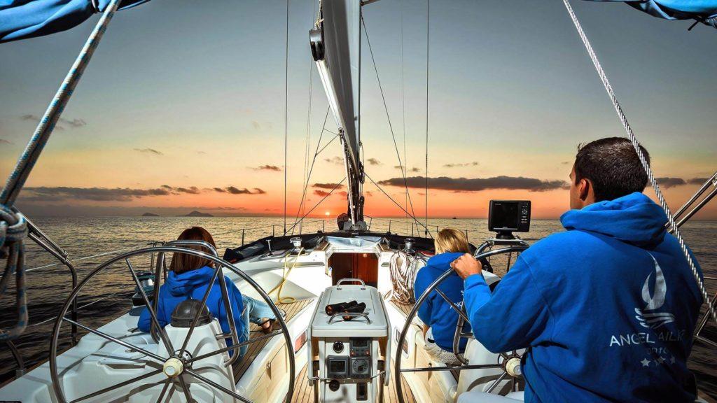 Santorini Sailing Tours